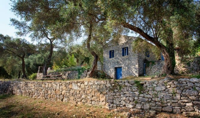 Private Location Stone House In Olive Grove